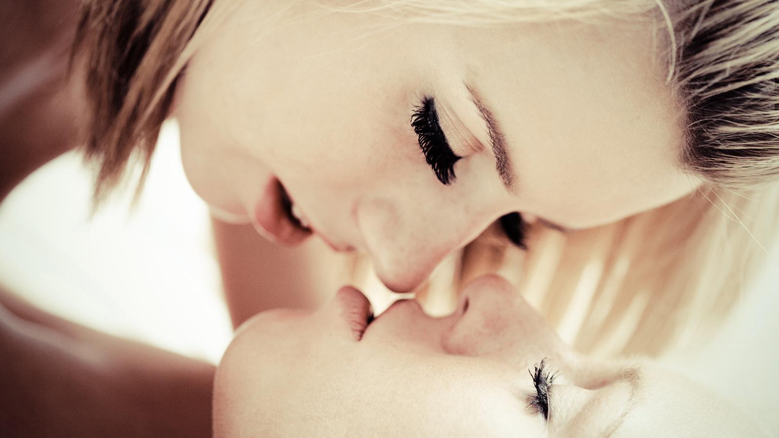 Free photo people, children, girls, boys, couple, kiss, australian, 200807151700